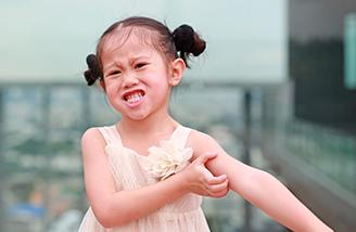 Vol.212 子どもの発疹の原因と対処法について   日本生命保険相互会社